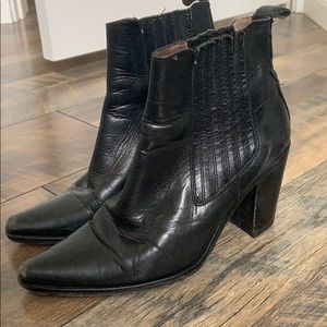 Vintage guess boots